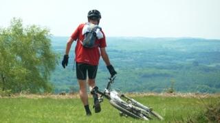 Patrick sur le plateau en haut du mont Gargan