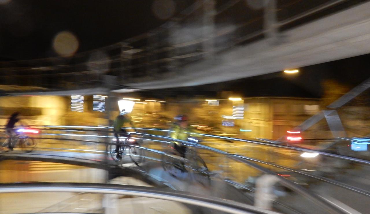Tours «parcours lumière» en VTT et plus encore. Belle balade nocturne pour découvrir les monuments de laville.